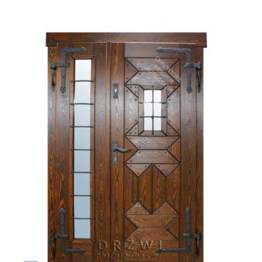 drzwi-drewniane-z-bocznym-doświetleniem