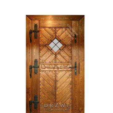 drzwi-wejsciowe-sosnowe-z-rzeźbieniem