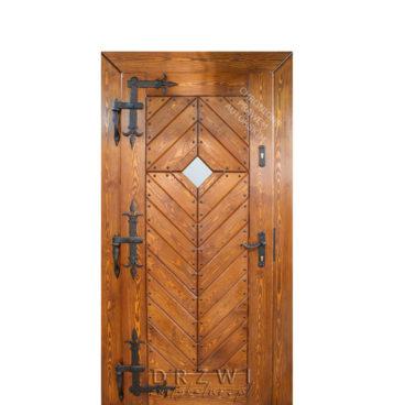 drzwi-zewnętrzne-drewniane-z-okuciami-kowalskim