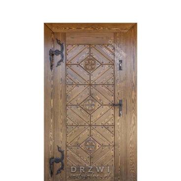 drzwi-zewnętrzne-rustykalne-z-rzeźbionymi-rozetami