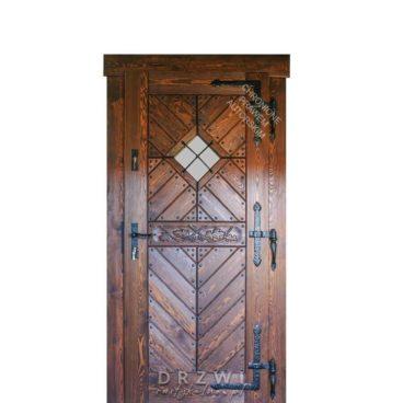 drzwi-zewnetrzne-drewniane-z-rzeźbieniem