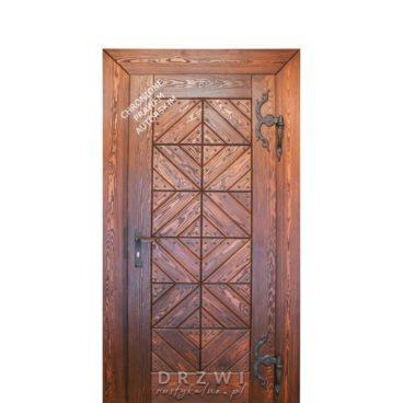 wejściowe-drzwi-drewniane-w-stylu-mazurskim